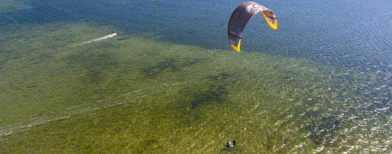 Kurs Kitesurfingu w Chałupach z lotu ptaka