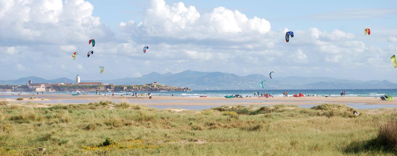 Kitesurferzy w Tarifie